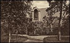 Schwestern-Garten mit Weingang