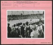 Deutsches Turn- und Sportfest 1938. Auf der neuen Rollschuhbahn des Hermann Göring-Sportfeldes zeigte die Meisterklasse der deutschen Rollschuhläufer ihr Können