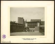 Mädchen-Mittelschule in der Rosen-Str. Ansicht der Turnhalle u. Aborte