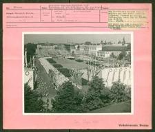 Deutsches Turn- und Sportfest Breslau 1938. Festumzug auf dem Schloßplatz mit den Gruppen der sudetendeutschen Turner am 31.Juli