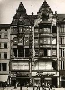 Ring 49 und 50 zu Breslau, vor der Entschandlung überhäufter Reklame, Leuchtschilder und Fensterbemalungen